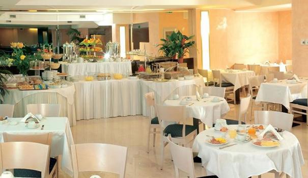 Golf Hotel Residence buffet
